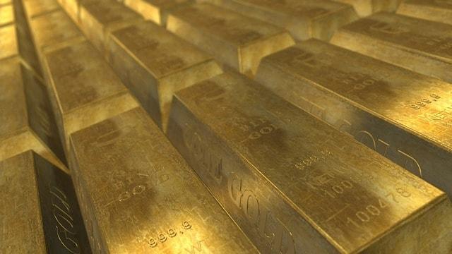 Staplar med guldtackor
